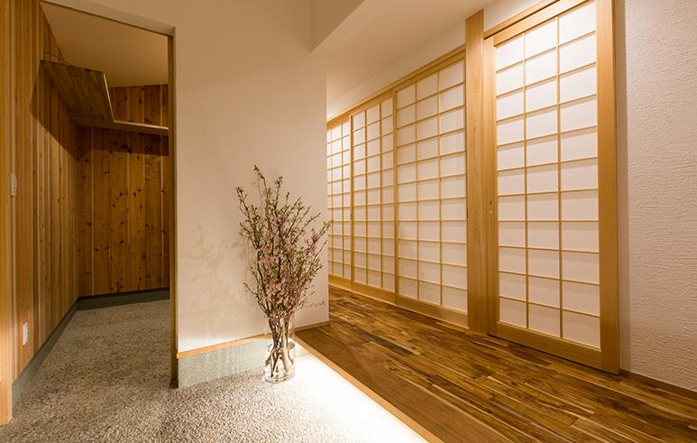 焼杉×本漆喰 和モダンの家2